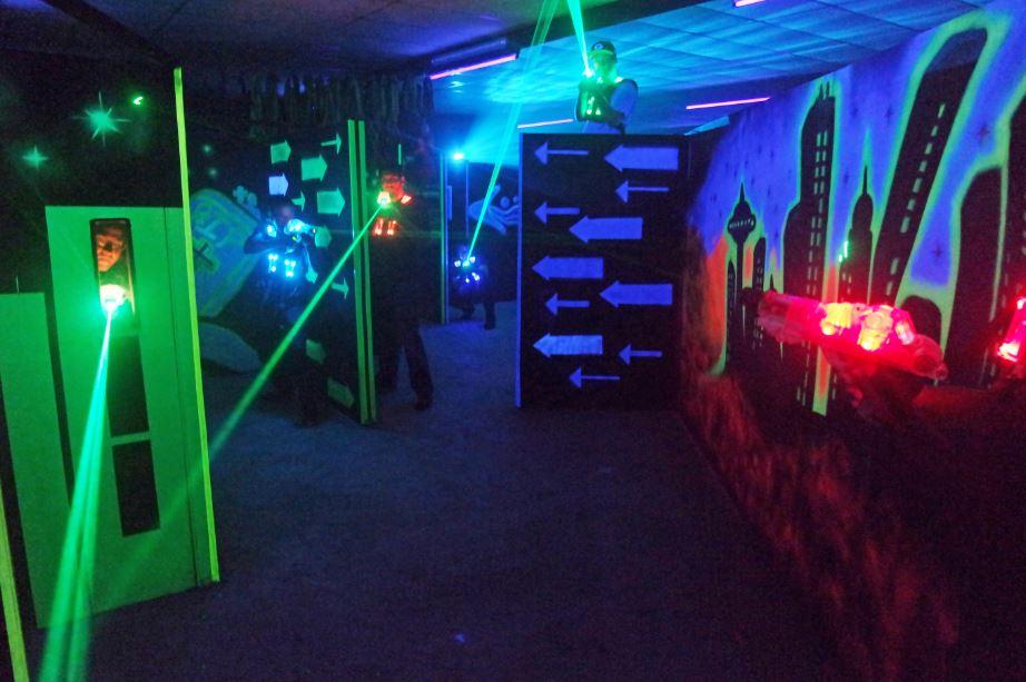 lasertag kindergeburtstag bei lasersports. Black Bedroom Furniture Sets. Home Design Ideas